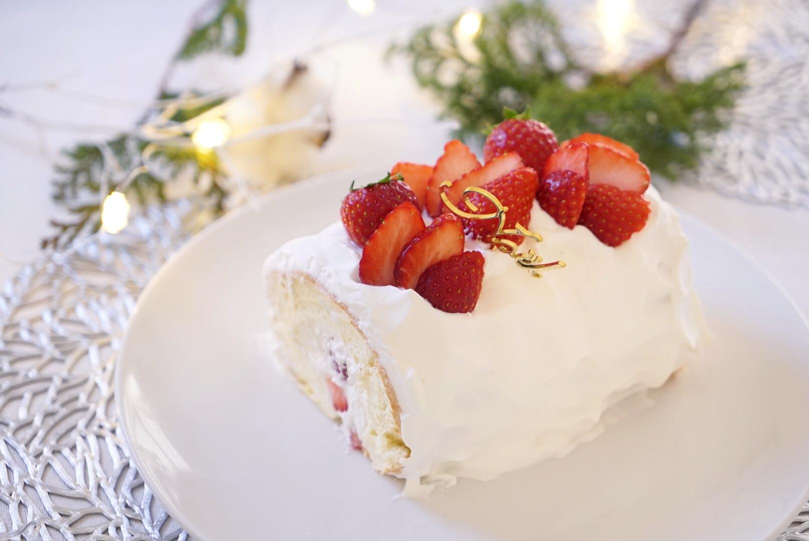 いちごのブッシュドノエル〜材料5つでグルテンフリーのクリスマスケーキ!